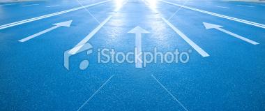 ist2_10235264-arrows-into-the-bright-light-future